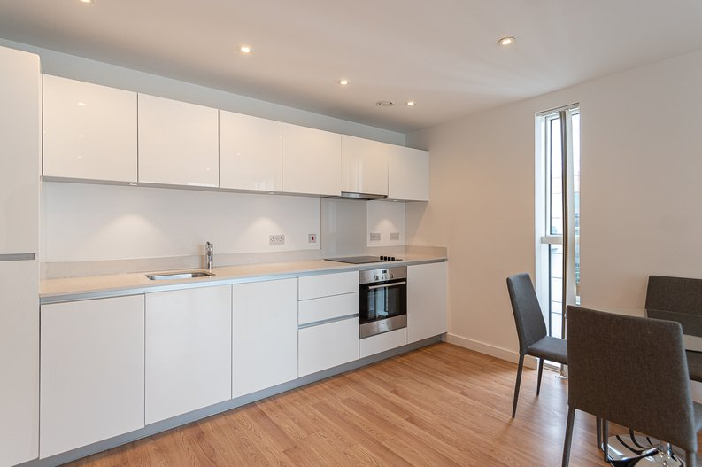 2 bedroom(s) apartment to sale in Goodchild Road, Woodbury Down, London-image 2