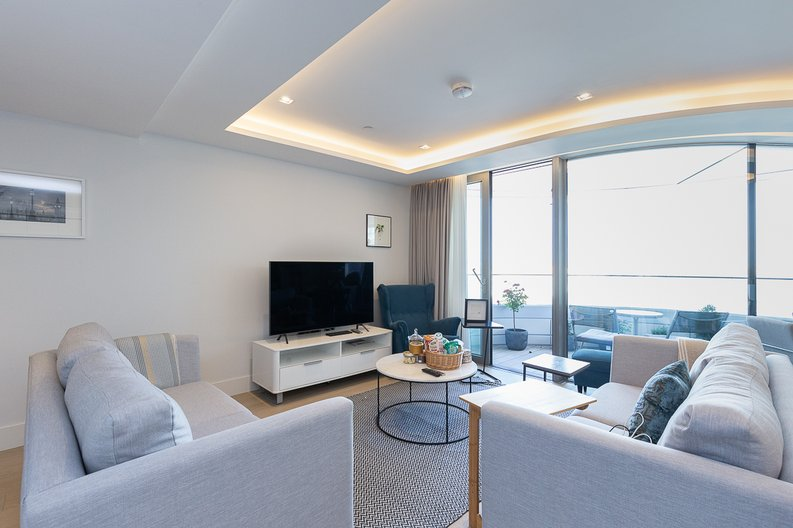 3 bedroom(s) apartment to sale in The Corniche, Albert Embankment, Vauxhall-image 2
