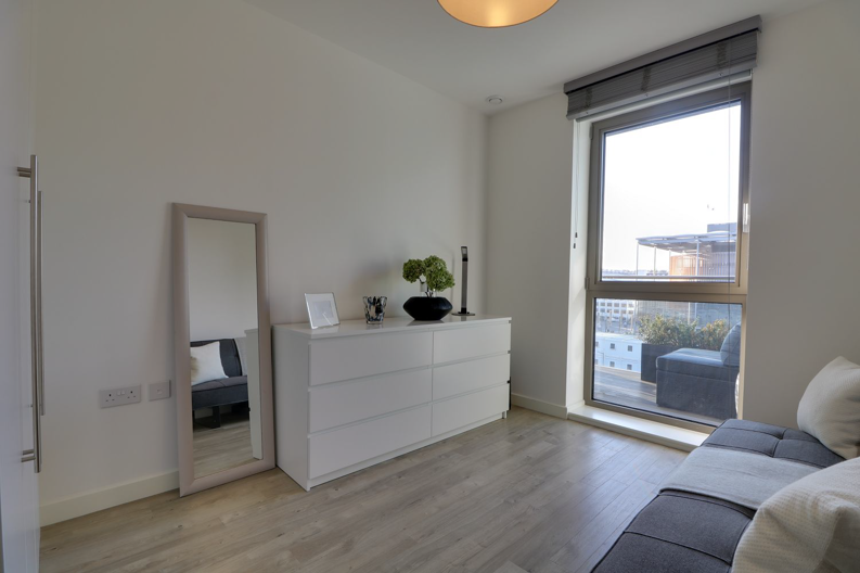 2 bedroom(s) apartment to sale in Marathon House, Olympic Way, Greater London, Wembley-image 4
