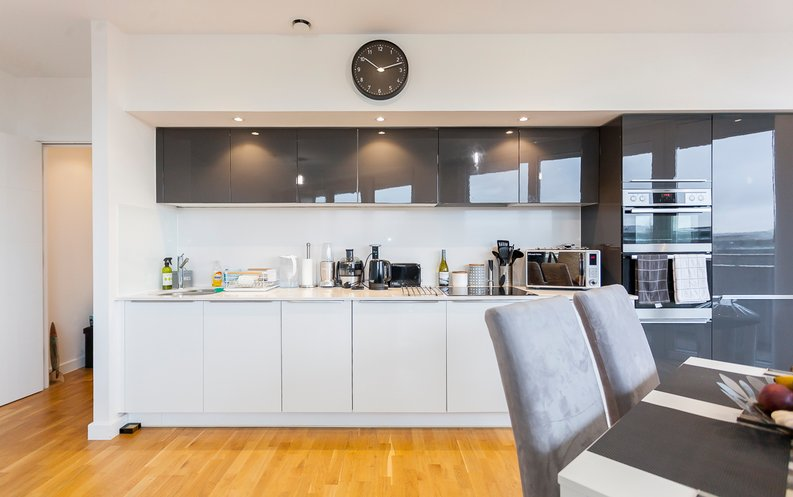 2 bedroom(s) apartment to sale in Edmunds House, Colonial Drive, Chiswick-image 10