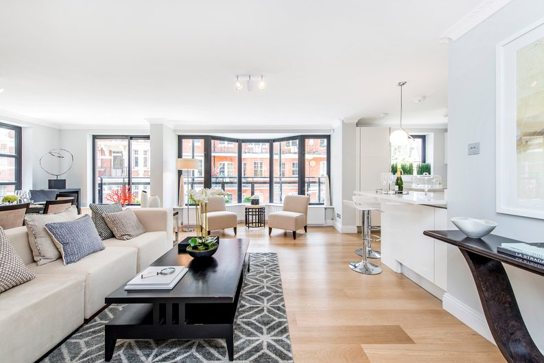 3 bedroom(s) apartment to sale in Drayton Gardens, Chelsea, London-image 11