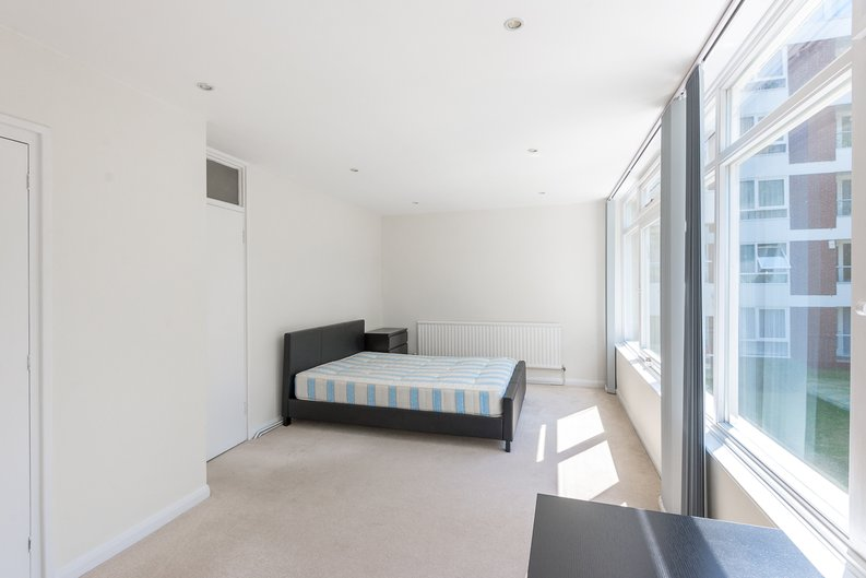1 bedroom(s) apartment to sale in Imperial Towers, Netherhall Gardens, London-image 6