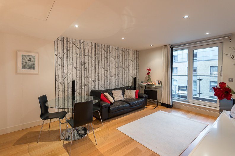 2 bedroom(s) apartment to sale in Regal House, Lensbury Avenue, Fulham-image 2