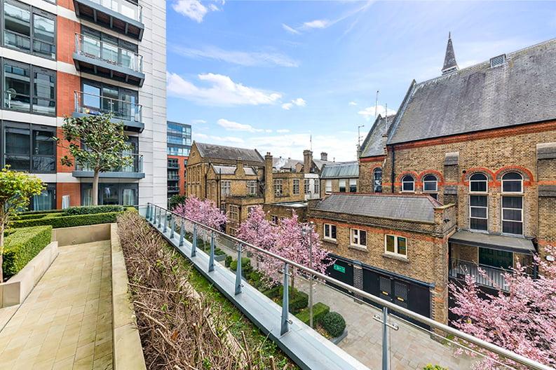 2 bedroom(s) apartment to sale in Belgravia House, Dickens Yard, Ealing, London-image 19