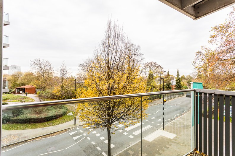 1 bedroom(s) apartment to sale in Riverside Apartments, Goodchild Road, Woodberry Down, Manor House-image 13