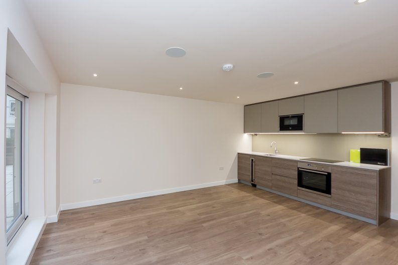 Studio apartment to sale in Golding House, 11 Beaufort Square, Colindale-image 1
