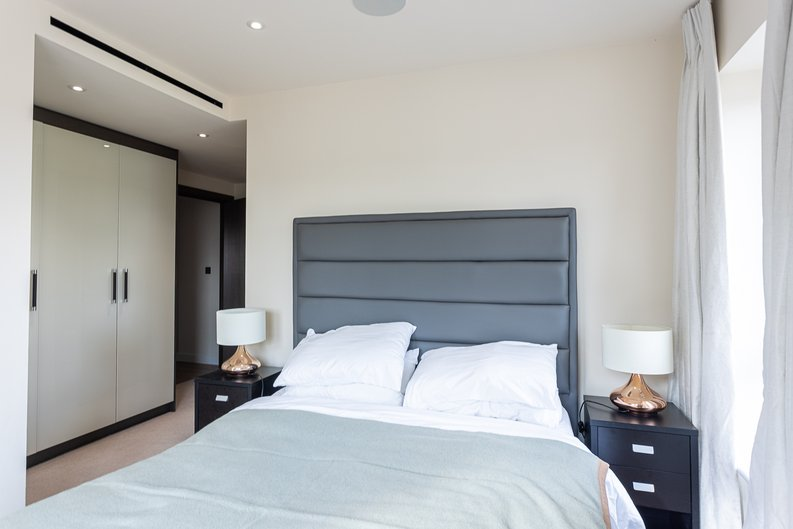 2 bedroom(s) apartment to sale in Beaufort Square, Colindale, London-image 21