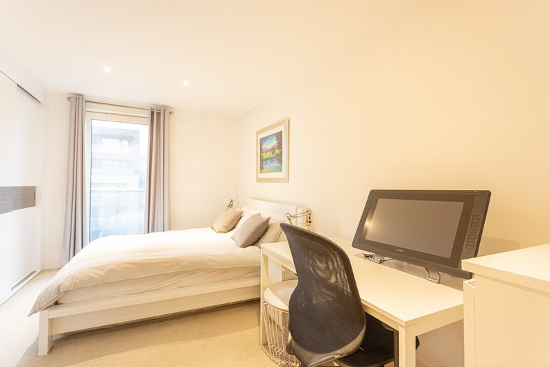 2 bedroom(s) apartment to sale in Cadmus Court, Seafarer Way, Surrey Quays, London-image 4