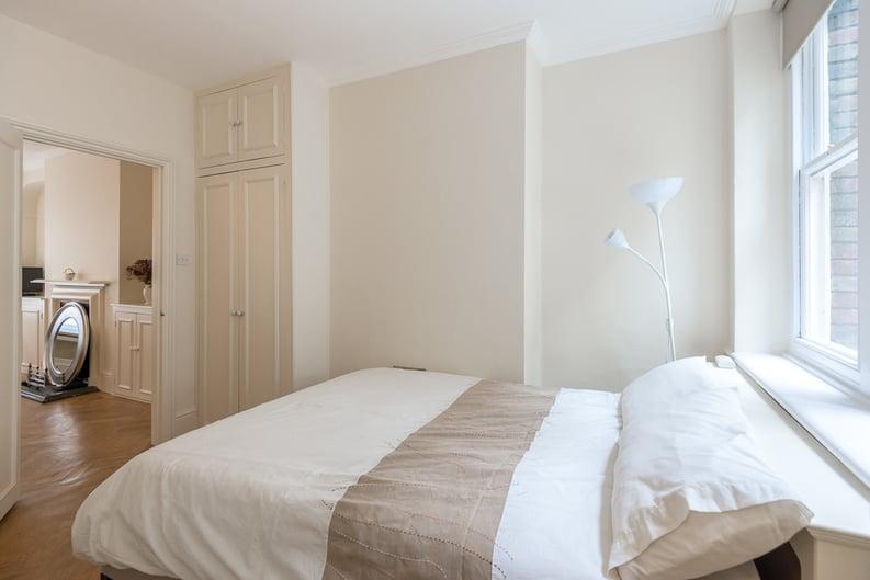 1 bedroom(s) apartment to sale in Garrick House, Carrington Street, Mayfair-image 7