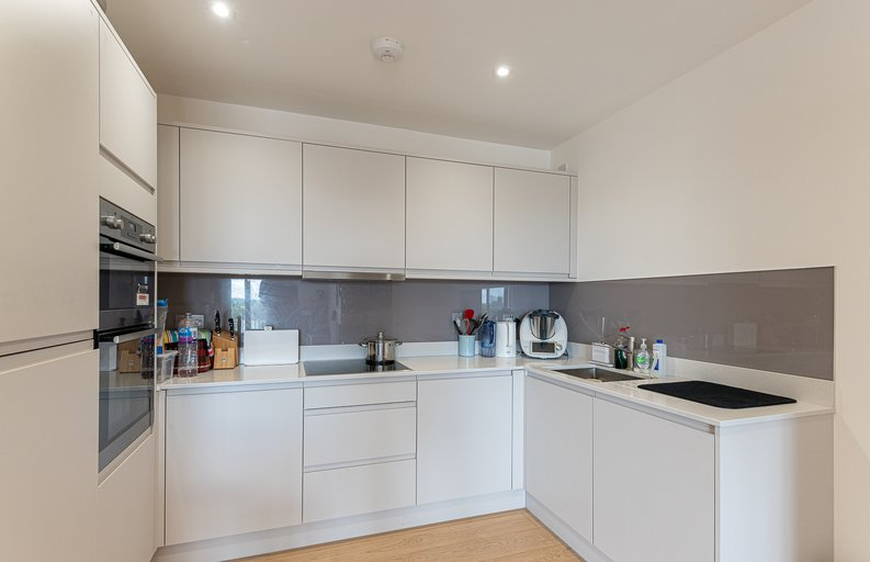 2 bedroom(s) apartment to sale in Eastern Point, Edgware Road, London-image 10