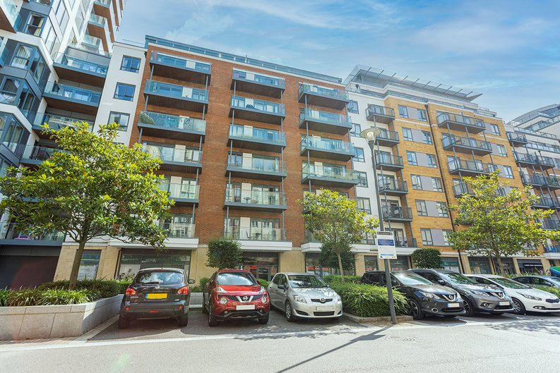 1 bedroom(s) apartment to sale in Carleton House, Boulevard Drive, Beaufort Park-image 13