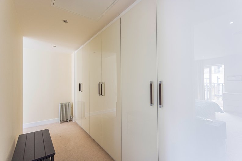 3 bedroom(s) apartment to sale in Boulevard Drive, Colindale, London-image 10