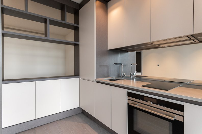 Studio apartment to sale in One Park Drive, Canary Wharf, London-image 9