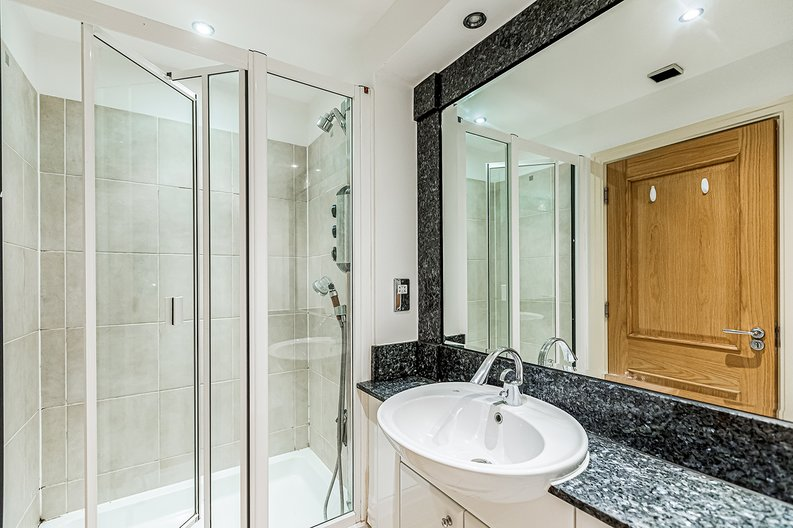 2 bedroom(s) apartment to sale in Regency House, The Boulevard, Imperial Wharf, Fulham-image 4