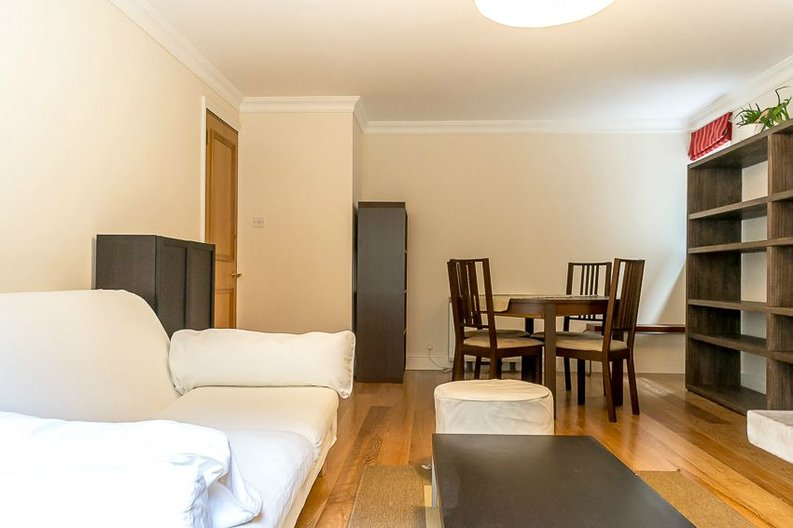 2 bedroom(s) apartment to sale in Scotts Sufferance Wharf, 5 Mill Street, Bermondsey-image 2