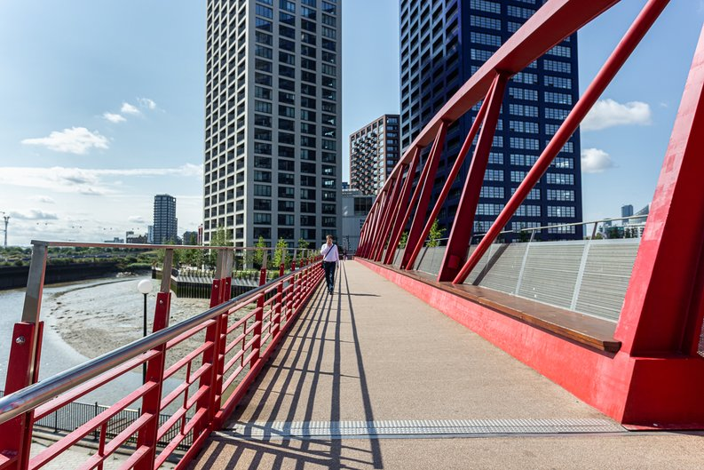 1 bedroom(s) apartment to sale in Silvocea Way, Canning Town, London-image 5