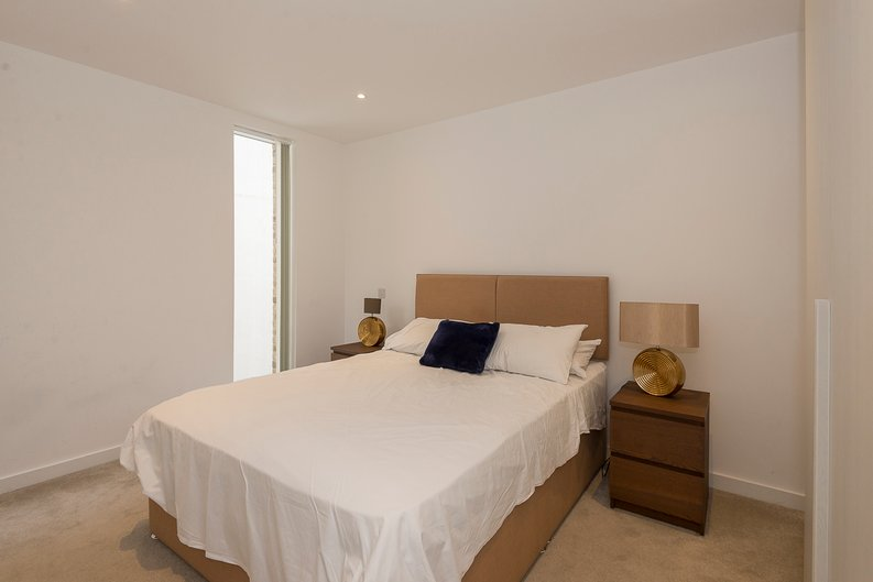 3 bedroom(s) house to sale in Hand Axe Yard, Kings Cross, London-image 3
