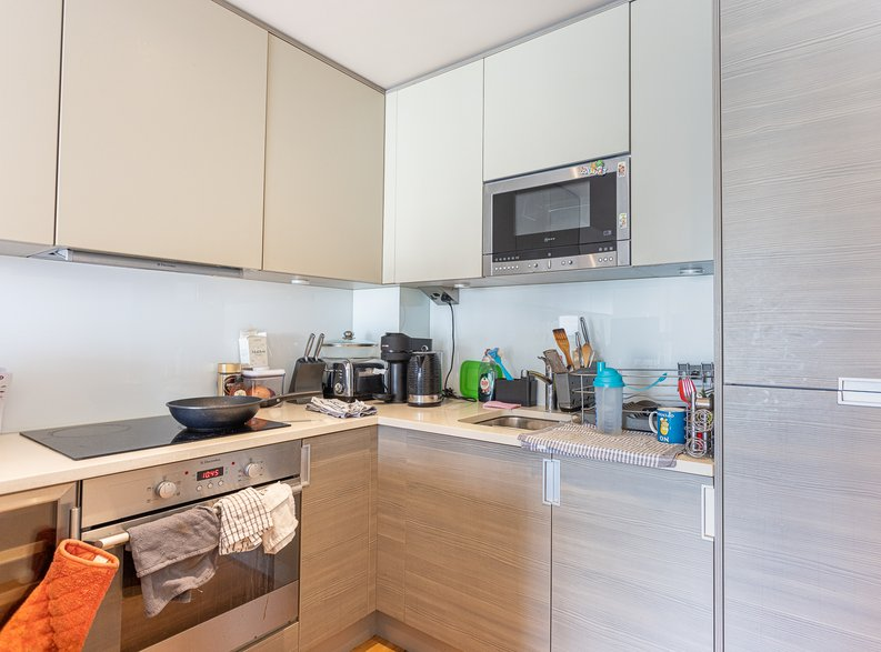 2 bedroom(s) apartment to sale in Heritage Avenue, London-image 3