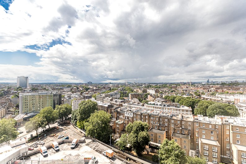 3 bedroom(s) apartment to sale in Cromwell Road, South Kensington, London-image 12