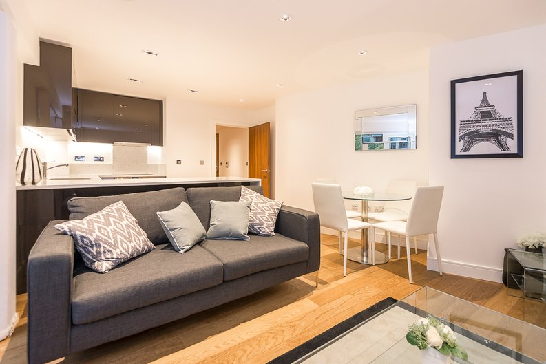 1 bedroom(s) apartment to sale in Fitzroy House, Dickens Yard, Ealing-image 1