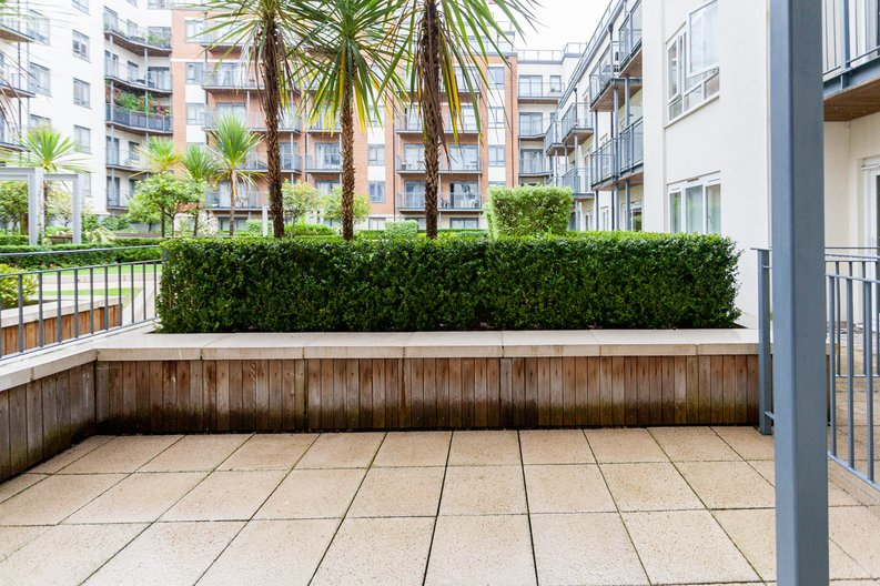 1 bedroom(s) apartment to sale in Curtiss House, Heritage Avenue, Beaufort Park, Colindale-image 7