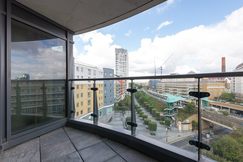 2 bedroom(s) apartment to sale in Octavia House, 213 Townmead Road, Imperial Wharf-image 10