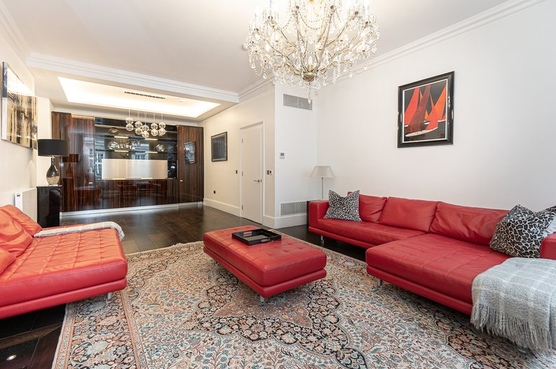 2 bedroom(s) apartment to sale in Park Street, Mayfair, London-image 6