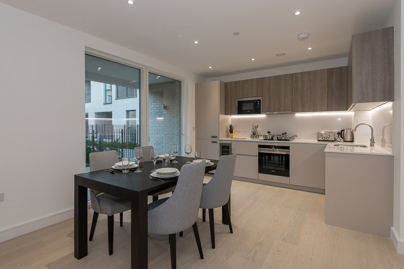 2 bedroom(s) apartment to sale in The Avenue, Brondesbury Park, London-image 3