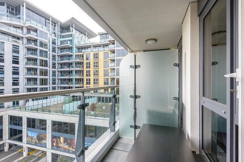 1 bedroom(s) apartment to sale in Octavia House, Townmead Road, Fulham-image 6