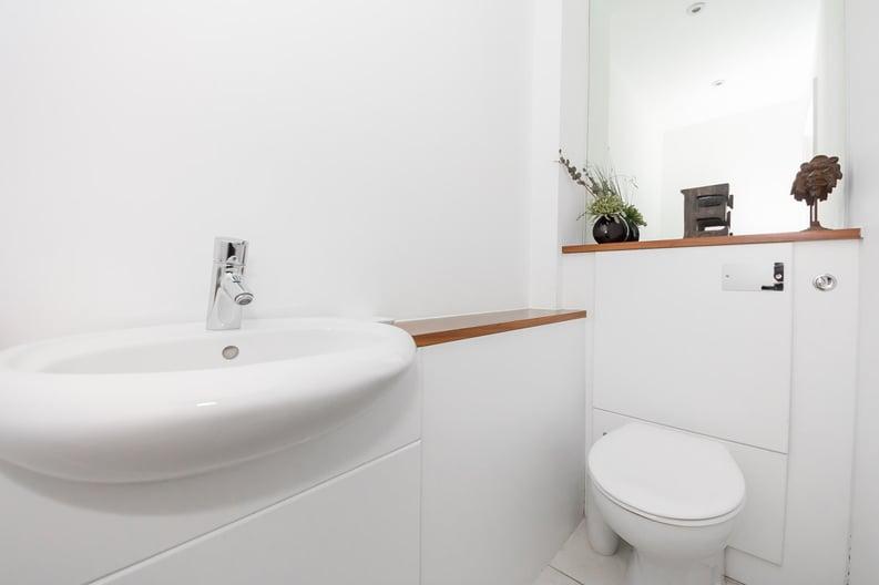 2 bedroom(s) apartment to sale in Metcalfe Court, John Harrison Way, Greenwich Millennium Village , Greenwich-image 4