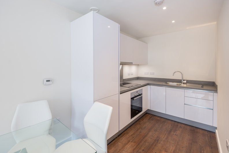 1 bedroom(s) apartment to sale in Carnarvon Court, Howard Road, Stanmore-image 4