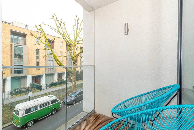 2 bedroom(s) apartment to sale in Bonchurch Road, Notting Hill , London-image 4