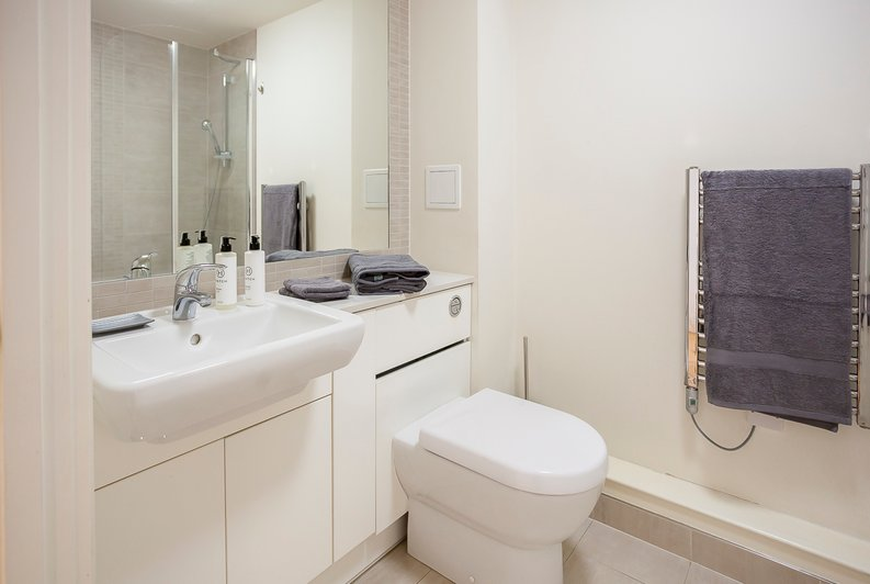 1 bedroom(s) apartment to sale in Croft House, Heritage Avenue, Beaufort Park, Colindale-image 8