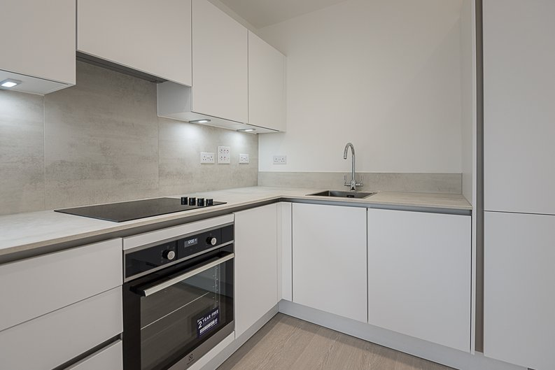 2 bedroom(s) apartment to sale in Starling Apartments,, Hendon Waterside-image 6