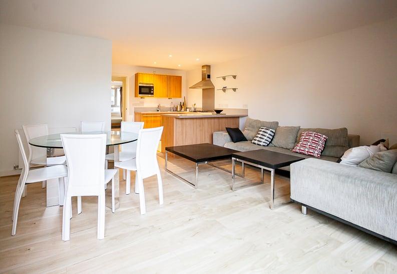 2 bedroom(s) apartment to sale in Eden Grove, Islington, London-image 11