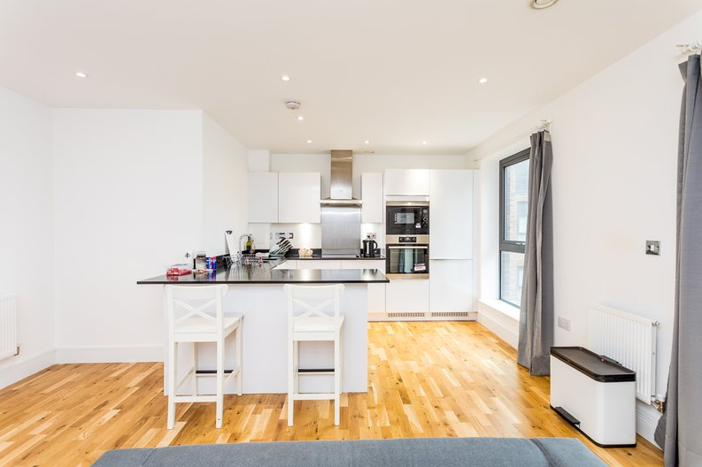 1 bedroom(s) apartment to sale in Cityview Point, Leven Road, Poplar-image 2