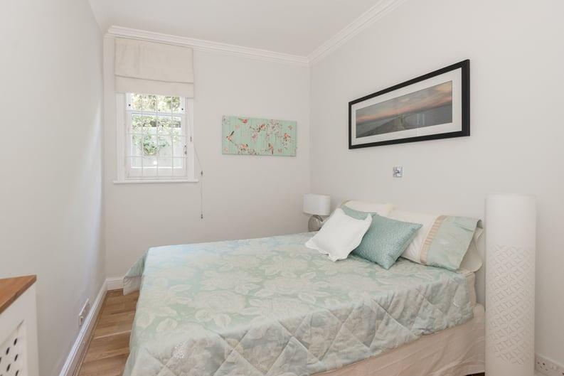 3 bedroom(s) apartment to sale in Bullingham Mansions, Pitt Street, London , Kensington-image 6