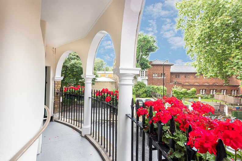 2 bedroom(s) apartment to sale in Mall Chambers, Kensington Mall, Notting Hill-image 2
