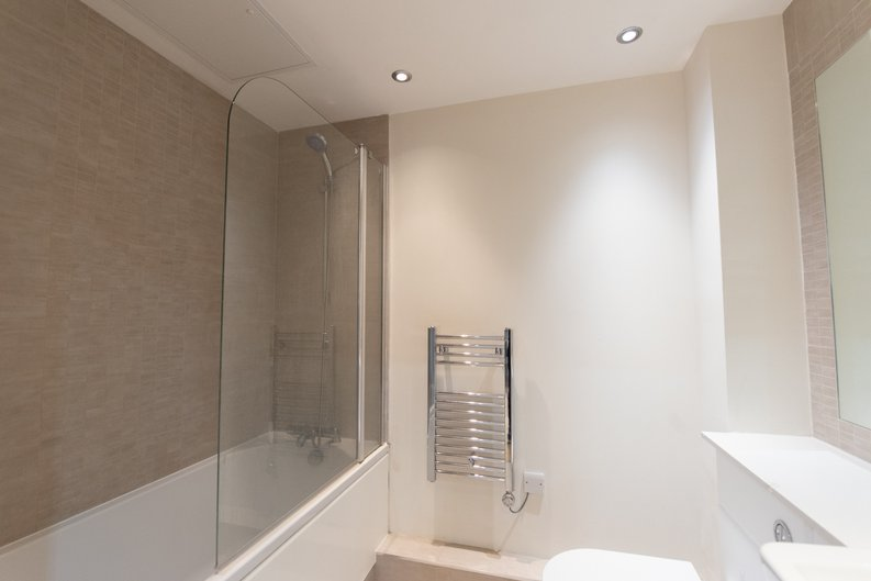 1 bedroom(s) apartment to sale in East Drive, London-image 9