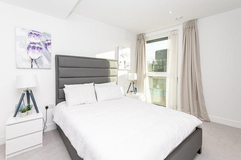 2 bedroom(s) apartment to sale in Glenthorne Road, Hammersmith, London-image 8