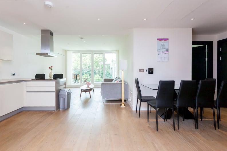 2 bedroom(s) apartment to sale in Cascade Court, Vista Chelsea Bridge, Battersea-image 10