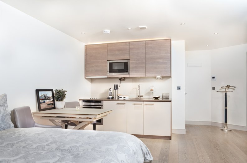 1 bedroom(s) apartment to sale in Doulton House, Park Street, Chelsea Creek-image 1