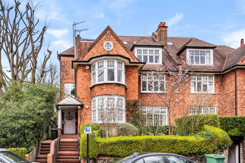 4 bedroom(s) apartment to sale in Bracknell Gardens, Hampstead, London-image 2