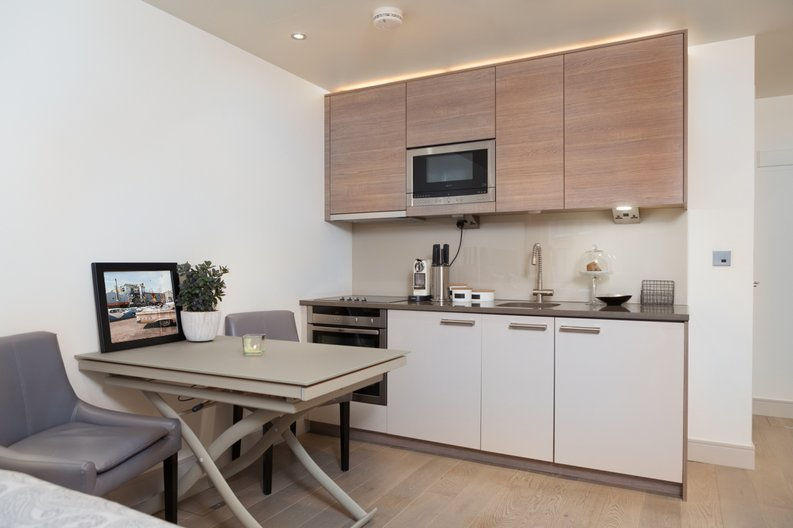 1 bedroom(s) apartment to sale in Doulton House, Park Street, Chelsea Creek-image 2