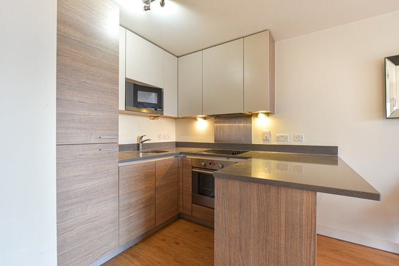 1 bedroom(s) apartment to sale in East Drive, London-image 11