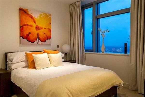 2 bedroom(s) apartment to sale in 1 Pan Peninsula Square, West Tower, Canary Wharf , London-image 2