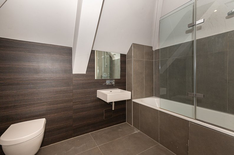 1 bedroom(s) apartment to sale in Gore House, Drummond Way, Islington, London-image 4