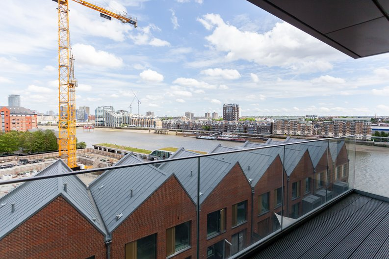 1 bedroom(s) apartment to sale in Westbourne Apartments, Central Avenue, Imperial Wharf-image 1