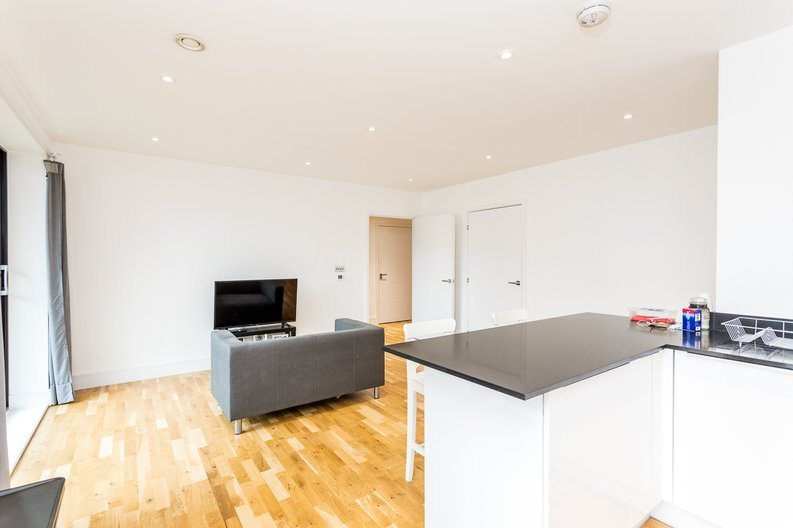 1 bedroom(s) apartment to sale in Cityview Point, Leven Road, Poplar-image 7