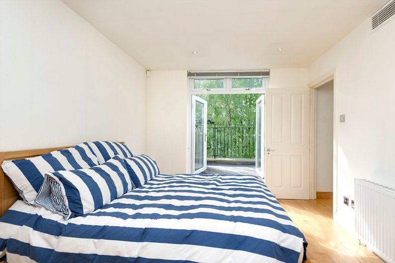 4 bedroom(s) house to sale in Rosemont Road, Hampstead, London-image 4